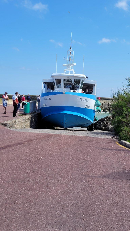 Le bateau pour la traversé de l'île de Tatihou